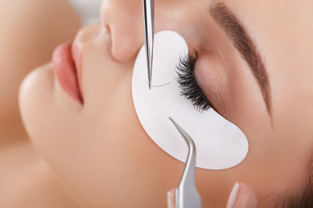 specail offer on eyelash extentions at solexis